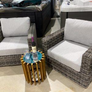 Victoria Swivel Club Chair